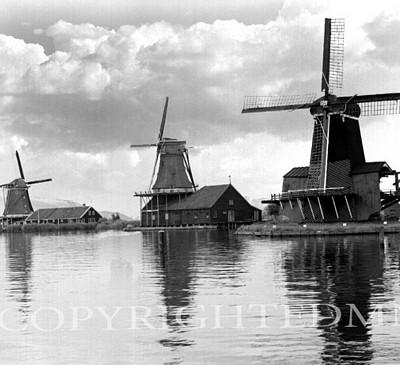 Three Windmills, Holland 87
