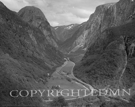 Valley View, Norway 00