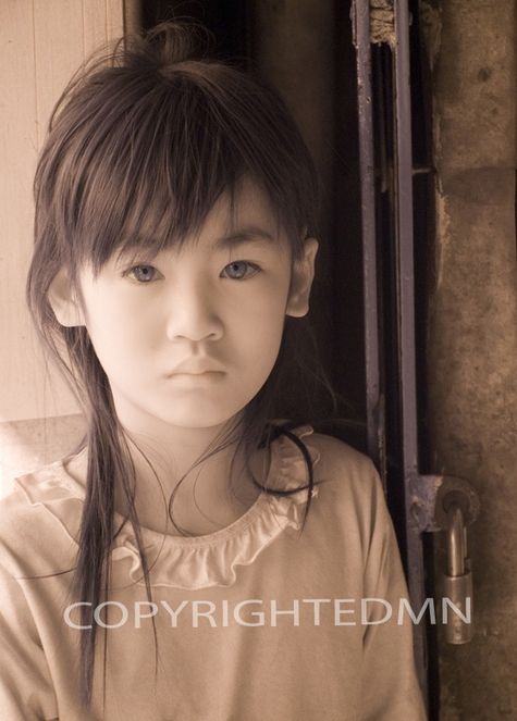 Vietnamese Child, Hanoi, Vietnam 07 – Monotint