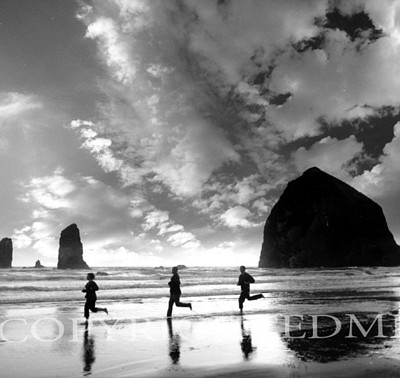 Beach Runners, Cannon Beach, Oregon 02