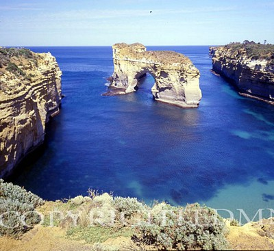 Arch In The Sea, Port Campbell, Australia 01 - Color