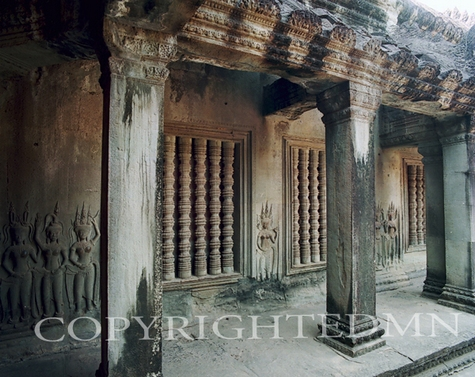 Angkorwat Columns, Vietnam 07 - Color