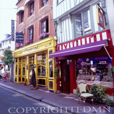 Store Fronts, Montmarte, France 07 - Color
